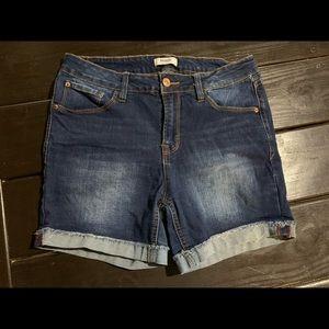 Kenzie mid rise shorts Sz 29